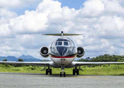 CRJ200B