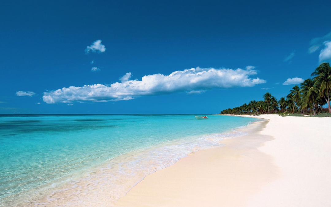 Cinco playas de arena blanca